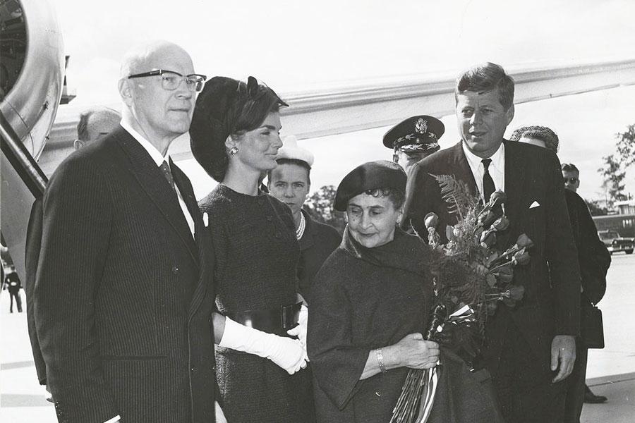 Kekkonen flirttaili Yhdysvaltain matkallaan Jacqueline Kennedyn kanssa. Kuva: