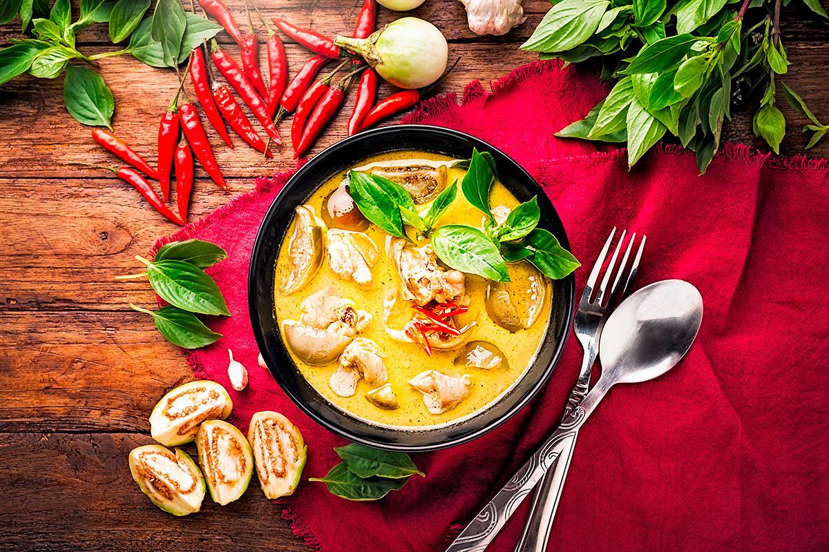 thaimaalainen curry keitto