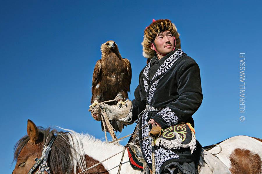 Mongolian kotkafestivaaleilla riittää eksoottista silmänruokaa.