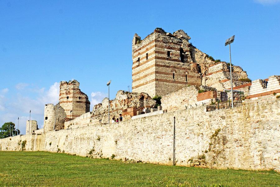 konstantinopol muurit