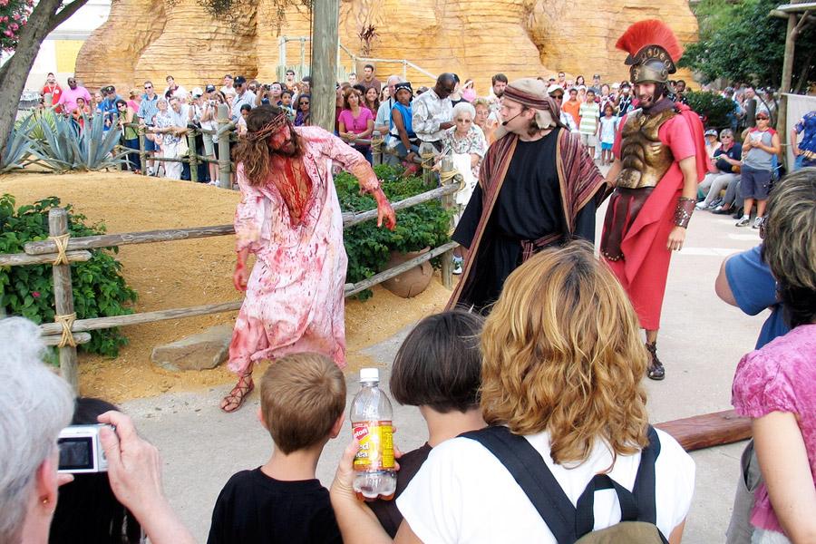 Floridan huvipuistoissa voi nähdä muitakin kuuluisuuksia kuin Mikki Hiiren. Kuva: DeaPeaJay, Flickr CC