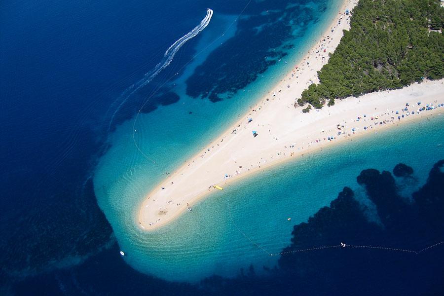 Bracin ranta ylhäältäpäin. Kuva: Szabolcs Emich, Flickr CC