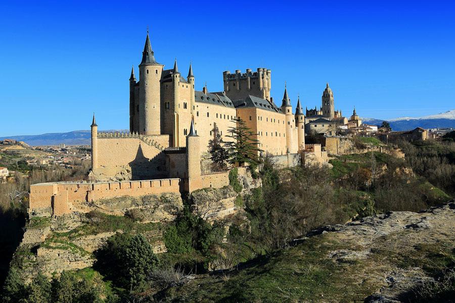 Segovian linnan sanotaan inspiroineen Walt Disneytä. Kuva Luis Antonio Fernández, Flickr CC