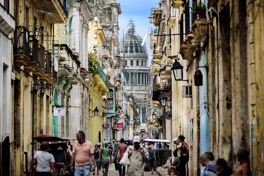 Havannaa voi kuvata vain kliseillä – Havannan todellisuus on koettava itse. Kuva Ashu Mathura, CC