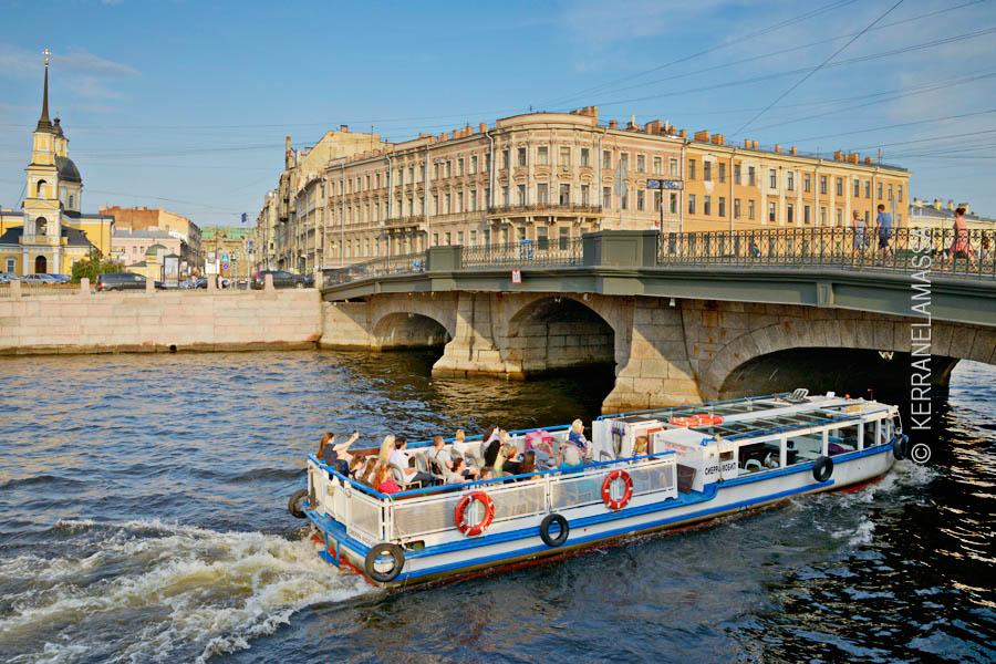 Kanavareisteilyillä saa Pietarista nopeasti ja tunnelmallisesti hyvän yleiskuvan.