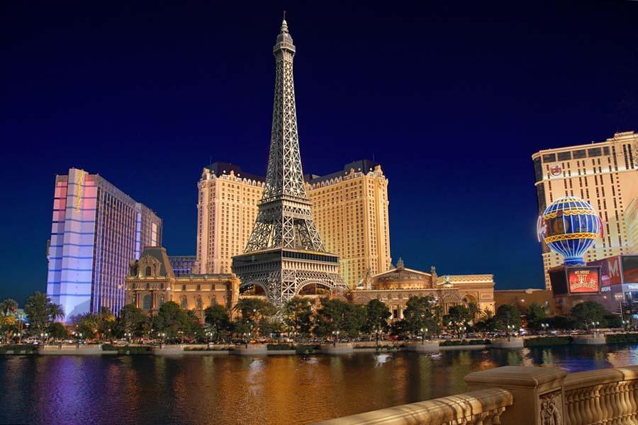 Las Vegasista löytyy tietenkin myös Eiffel-torni.