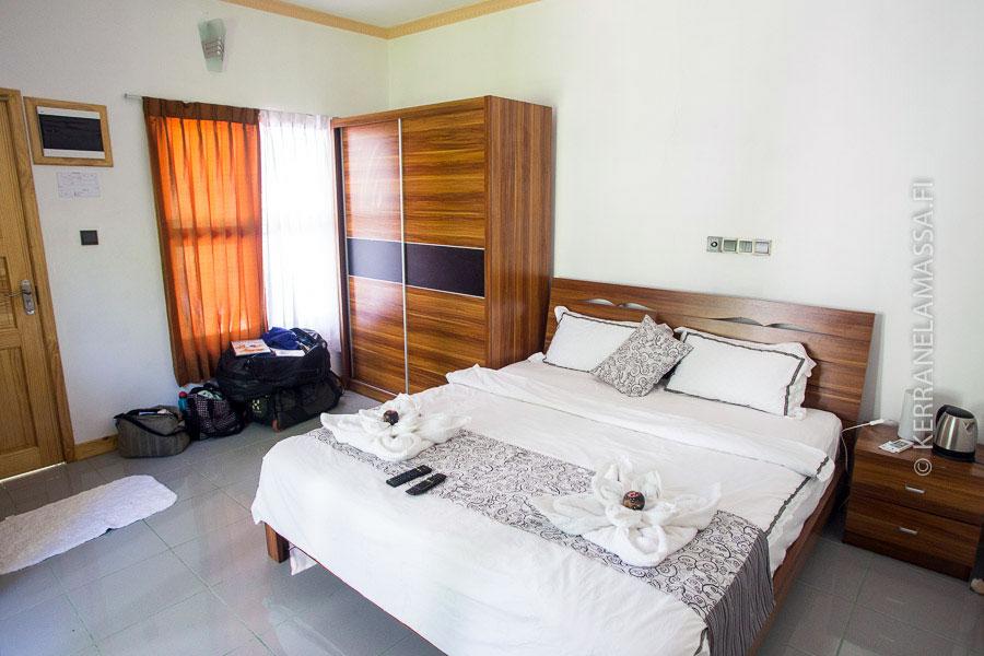 Tällaisen huoneen voi Malediiveilta saada 60 eurolla.