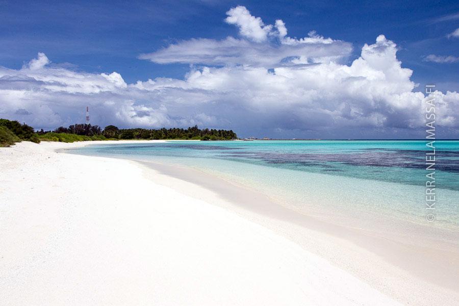 Paratiisiranta Malediiveilla.