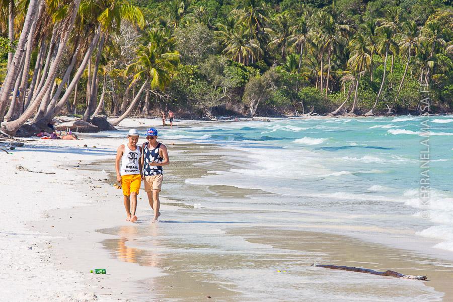 Nämä kaverit valitsivat rantakohteekseen Vietnamin kauneimman rannan, joka löytyy Phu Quoc -saarelta.