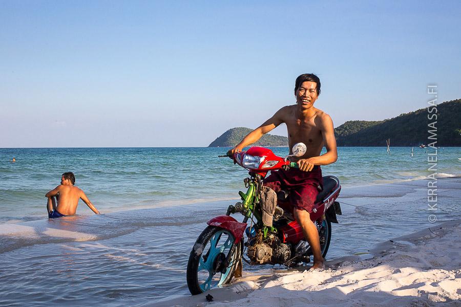 Phu Quoc skootteri rannalla