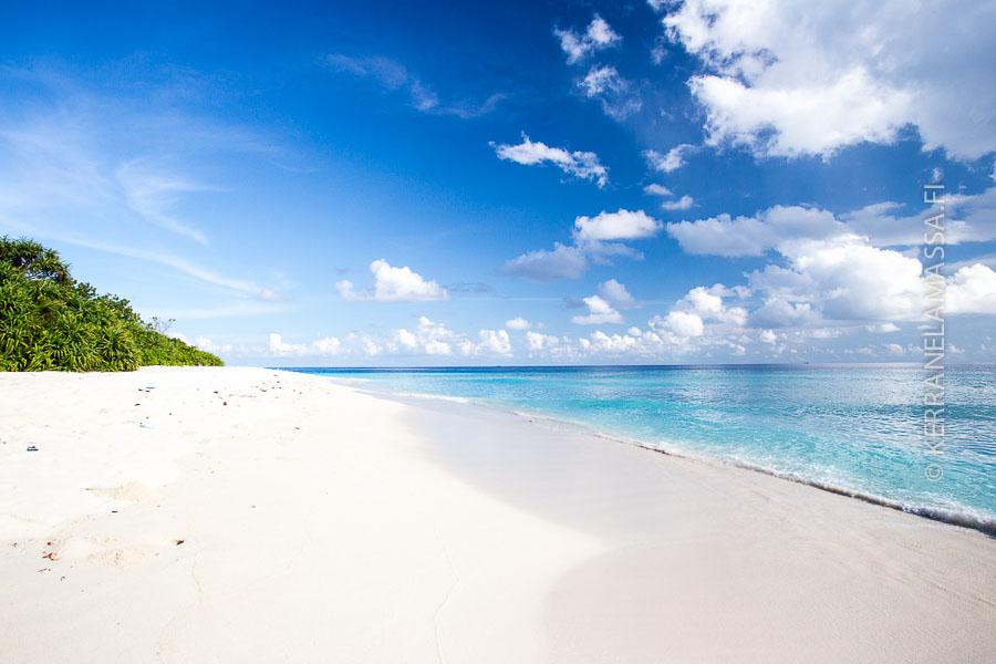 Tältä näyttää Ukulhas-saaren ranta.