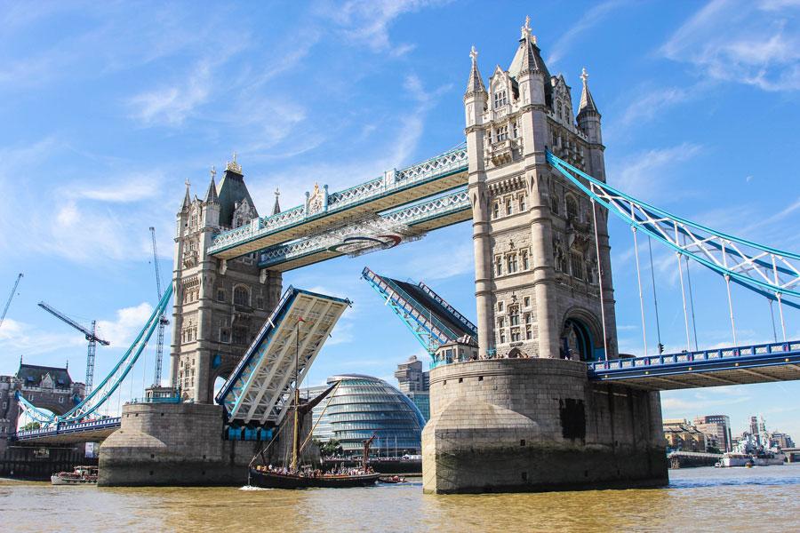 Tower Bridge. Kuva: Dave Straven, Flickr CC
