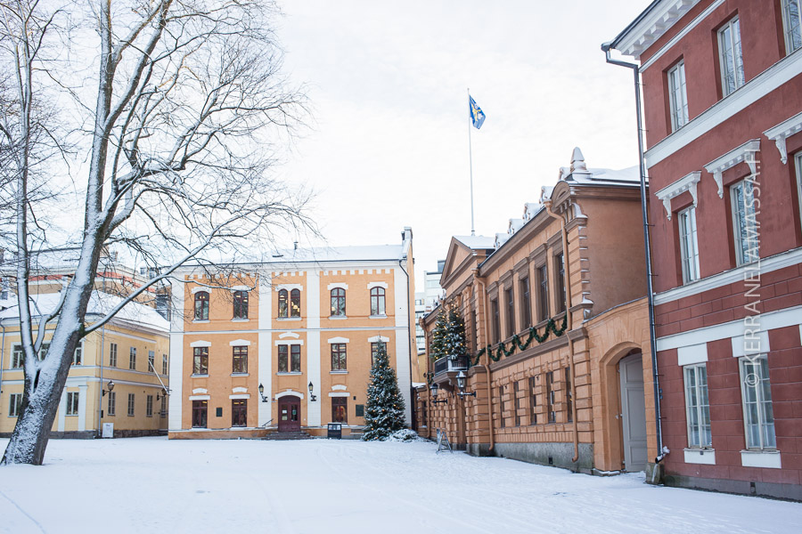 Turun Suurtorilla matka voi mennä päin Prinkkalaa.
