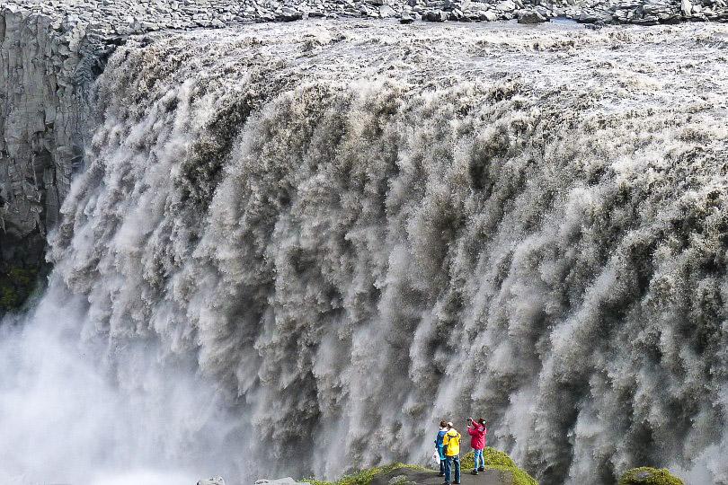Islannin Dettifoss on Euroopan mahtavin vesiputous.