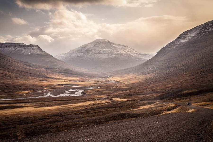 Islannin maisemat ovat kuin suoraan saaren jumaltaruista eli saagoista. Kuva: Andrés Nieto Porras, Flickr CC