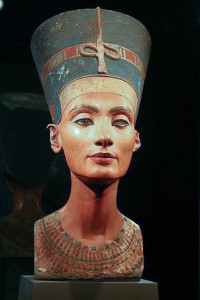 Kaunotar 3300 vuoden takaa. Kuva: Nina Aldin Thune, Wikimedia Commons