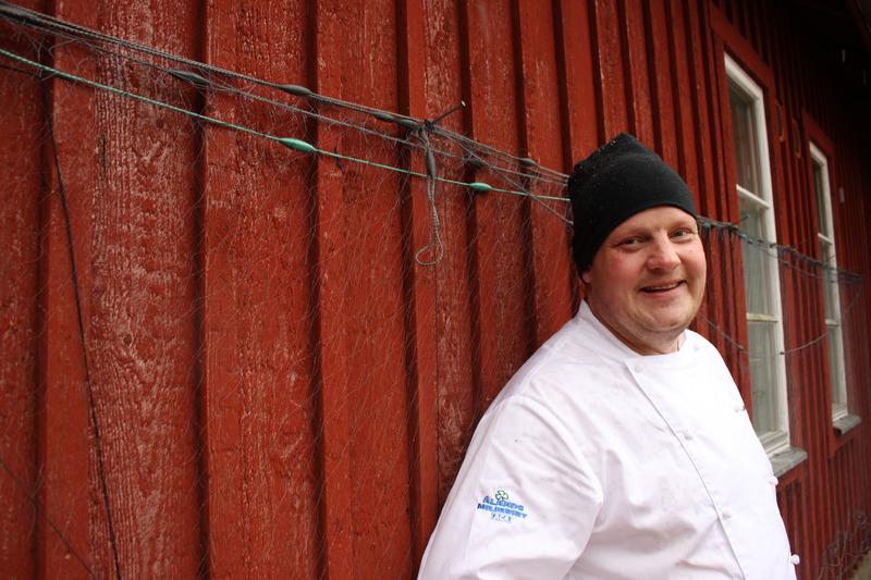 Ravintoa Smagbyta luotsaava Micke Björklund on Ahvenanmaan kuuluisin keittiömestari. Kuva: Nicolas Jändel
