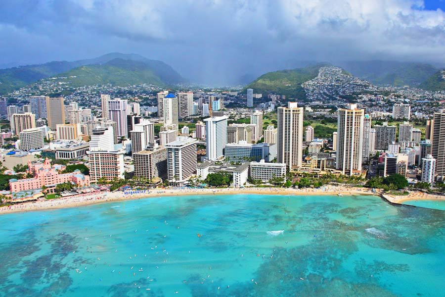 Waikiki Beach Honolulussa. Kuva: Edmund Garman, Flickr CC
