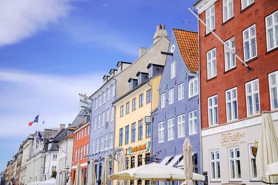 Kööpenhaminan Nyhavnin värikkäät talot ovat taatusti Tanskan kuvatuin kohde.