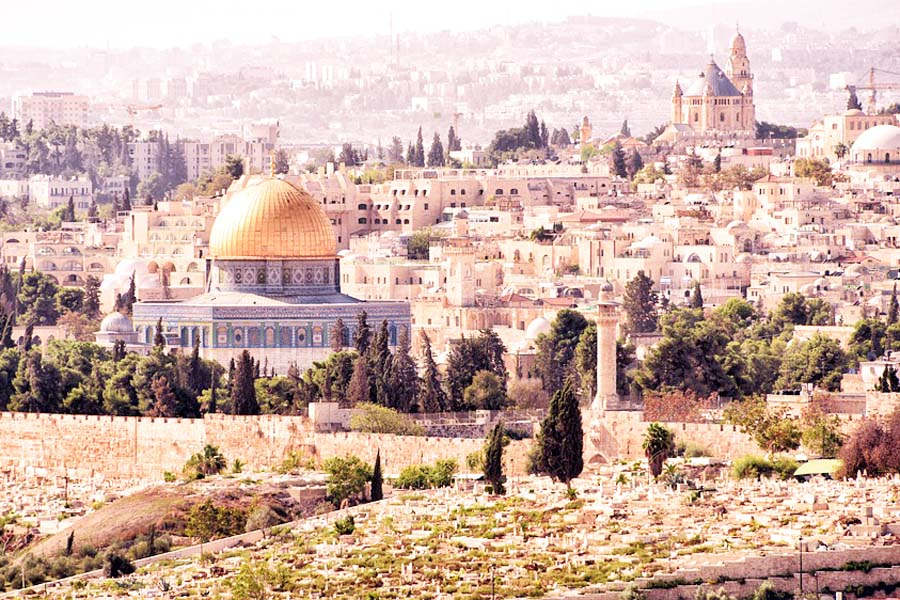 Kultakupolinen Kalliomoskeija on Jerusalem kuvatuin nähtävyys.