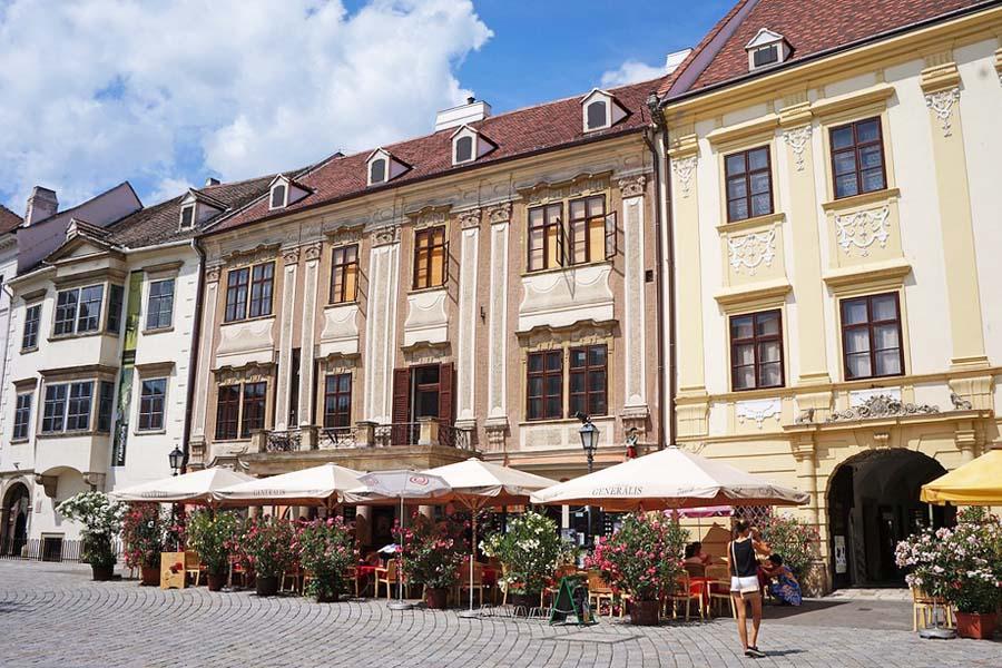 Sopron on komea paikka käydä hammaslääkärissä.