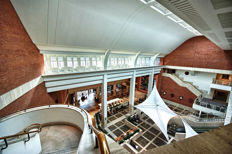 British Libraryn sisääntuloalue. Kuva: Daniel ............ Flickr