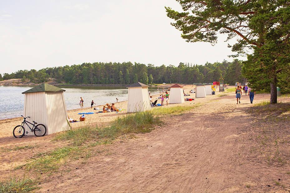 Hangon hiekkarannat kuuluvat Suomen parhaisiin. Kuva: Jussi Hellstén