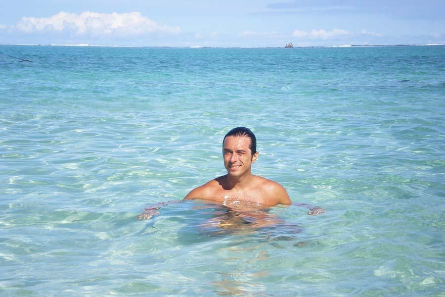 Mauritiuksen kristallinkirkkaassa meressä kelpaa polskia. Kuva: caccamo, Flickr CC