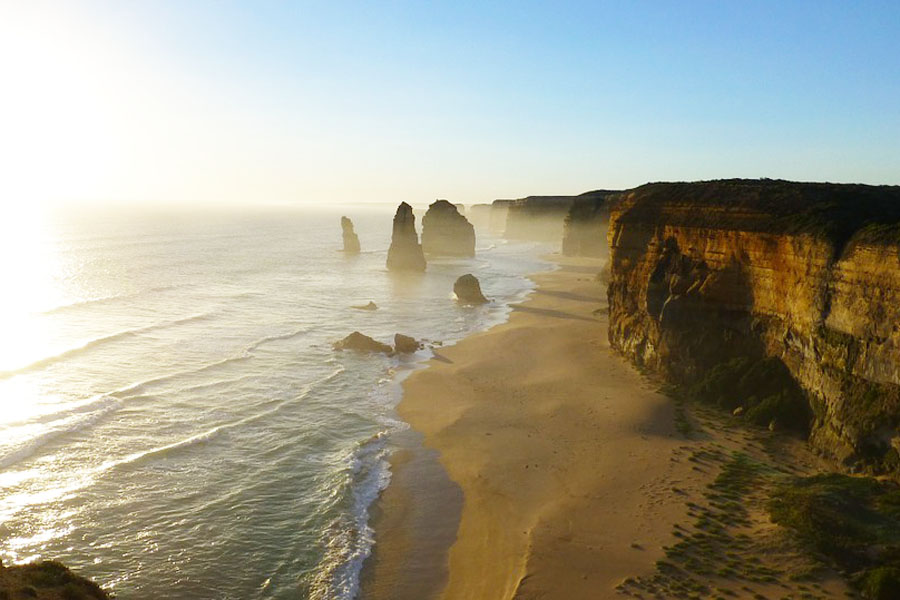 Kahdelle apostolille vie yksi Australian kauneimmista teistä.