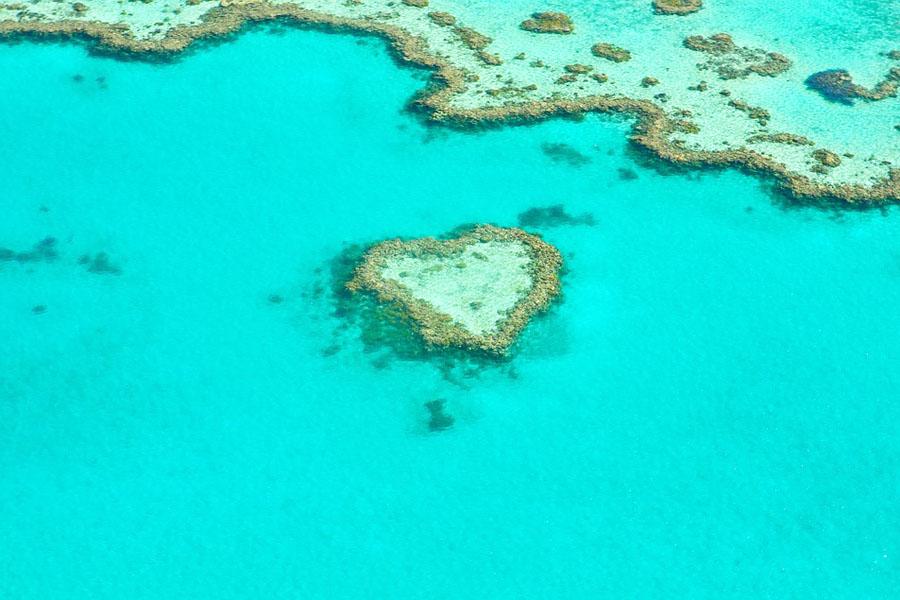 Australialle on helppo menettää sydämensä. Kuvassa Suurella valliriutalla sijaitseva sydämen muotoinen riuttasaari.