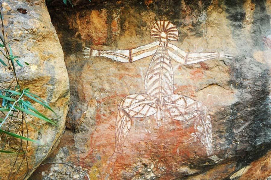 Kakadu National Parkissa pääsee ihailemaan aboriginaalien kalliomaalauksia.