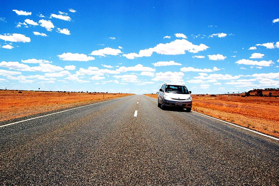 Australian läpi ajaminen on meditatiivinen kokemus.