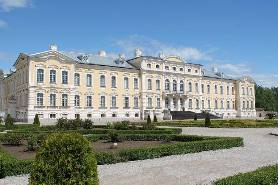 Rundale palatsi