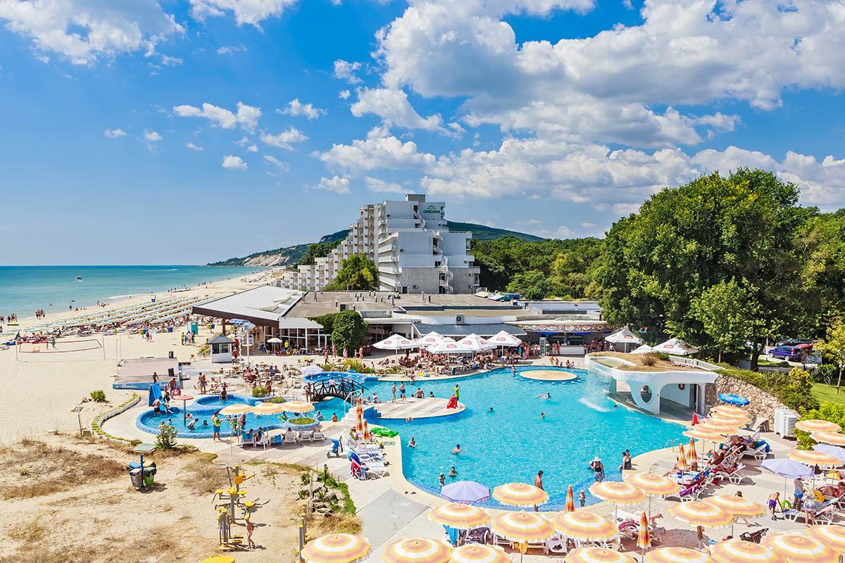 Bulgaria Albena hotelli uima-allas