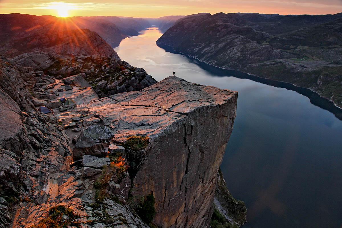 Norja Preikestolen kalliokieleke