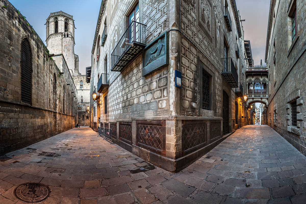 Barcelona Matkaopas Kerran Elamassa