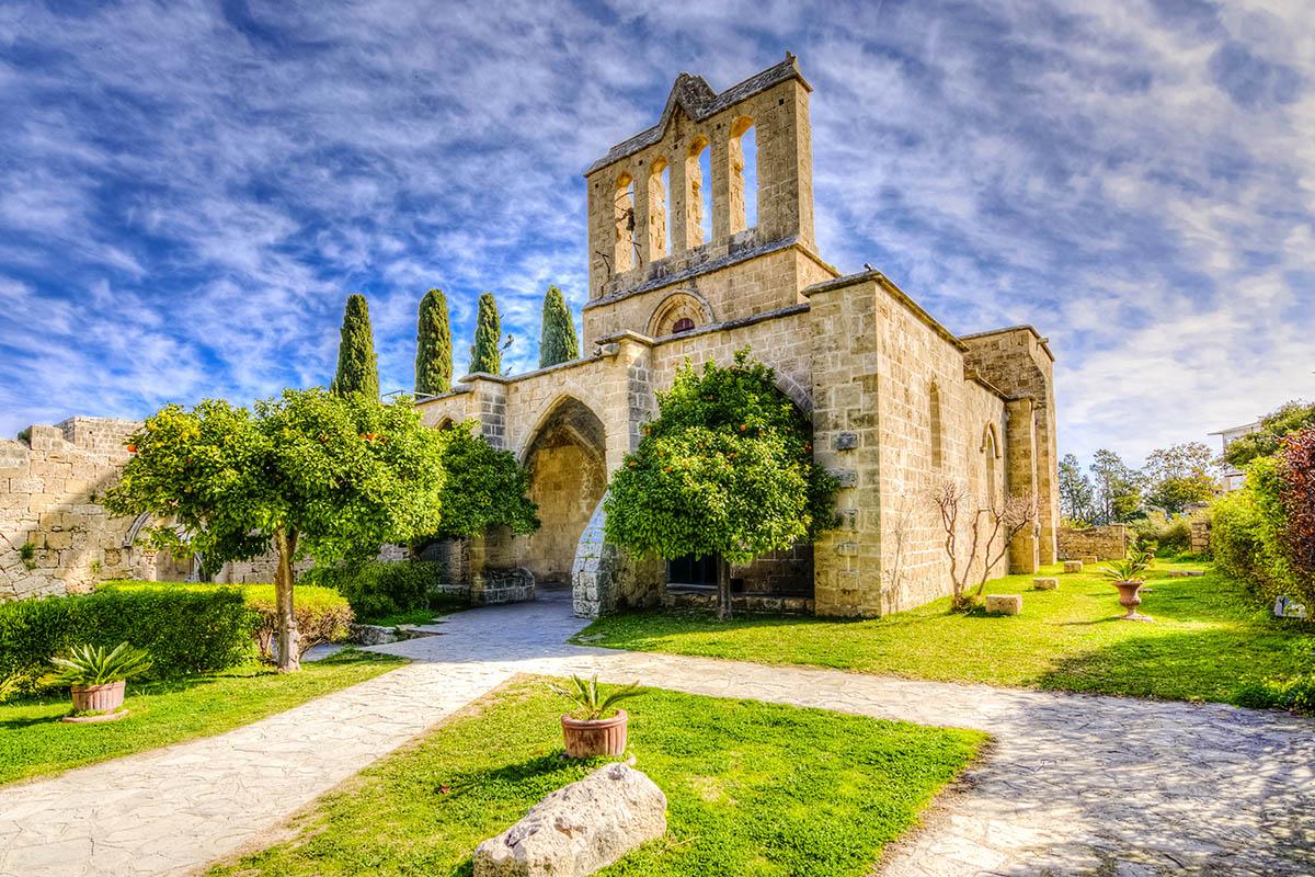 Kypros Bellapais luostari