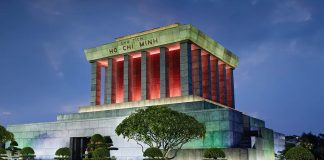Ho Chi Minh mausoleumi