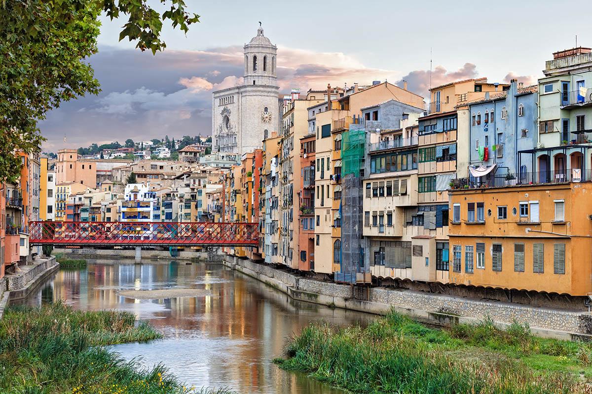 Girona Matkaopas Kerran Elamassa