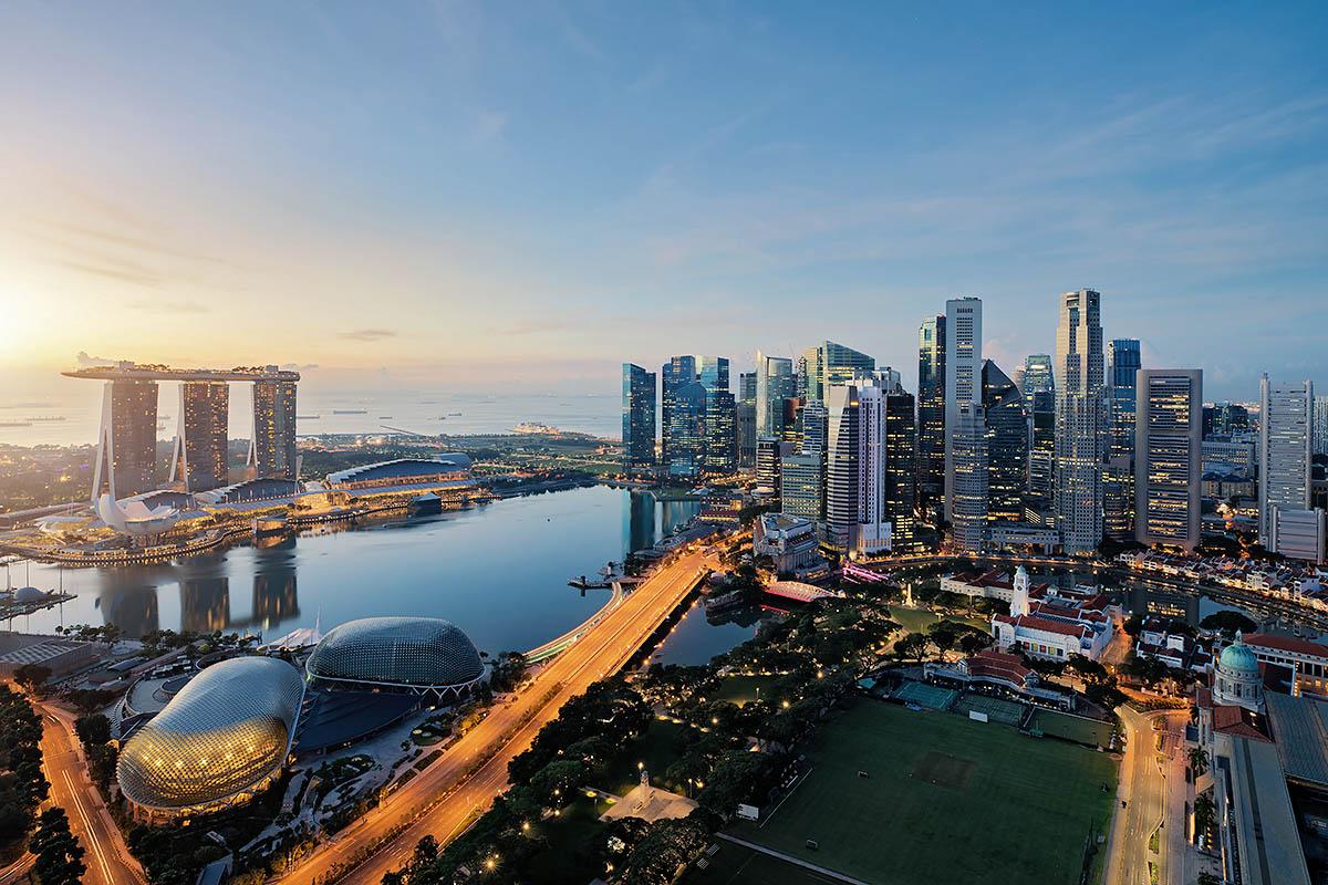 Singapore kaupunki yöllä