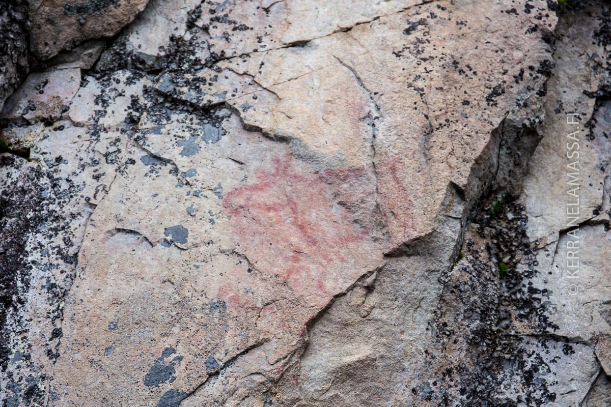 Saraakallion kalliomaalaukset