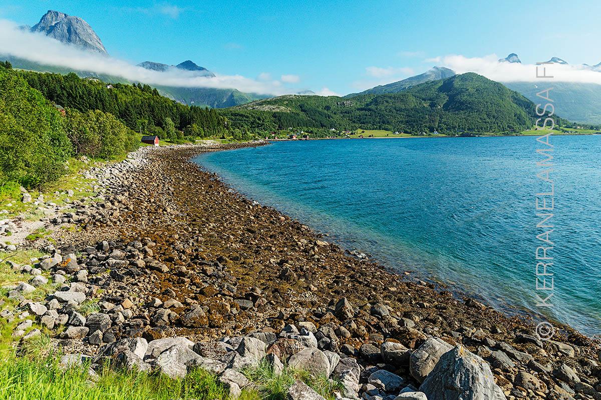 Norja Helgeland rannikko laskuvesi