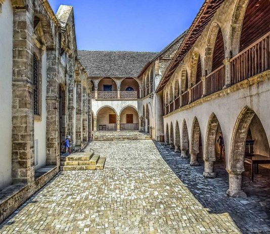 Troodos Omodos luostari